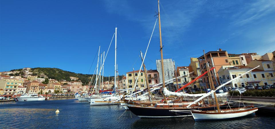 «Un gruppo di cittadini cede, a costo zero, all' amministrazione comunale il sito web del porto turistico di Cala Gavetta»