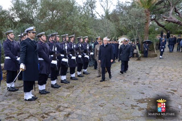 Segui la  MarinaMilitare live su twitter   italiannavy 740b1e7fbd62