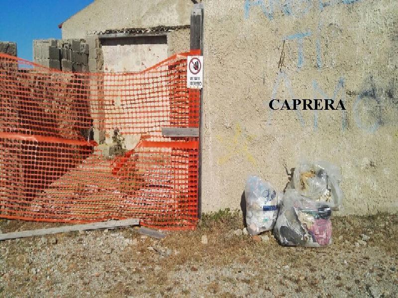 RIFIUTI CAPRERA 2
