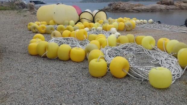 Nella giornata di lunedì i dipendenti del Parco hanno iniziato il posizionamento delle cime tarozzate a delimitare le spiagge di Tegge (La Maddalena), Soraya, Corsara e Connari […]